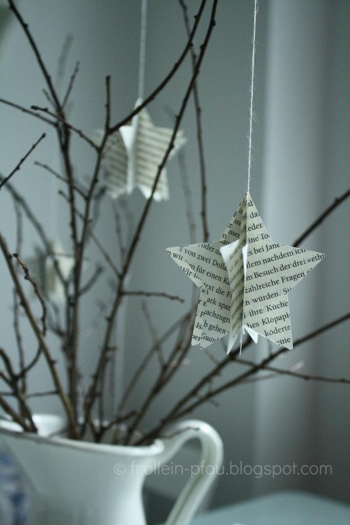Weihnachtliche Mitbringsel und kleine Geschenkideen, DIY, Blogger, selbstgemachte Weihnachtsgeschenke, Weihnachtssterne, Basteln mit Büchern Buchseiten, Jumbo Stanzer, Sterne, kleines Geschenk für die Kita Erzieherin Lehrerin