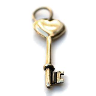ключ в виде сердца подарок девушке на день святого валентина