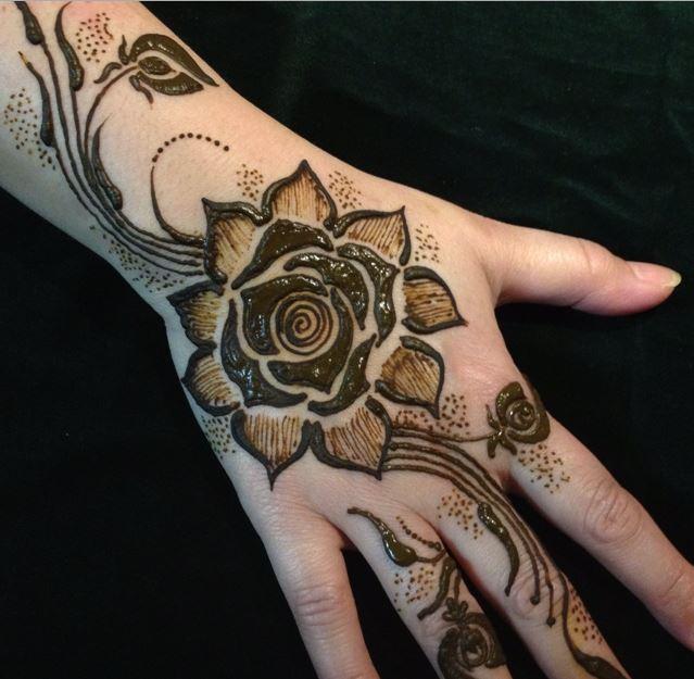 Mehndi Back Hand Flower : Latest floral henna mehndi designs for hands bling
