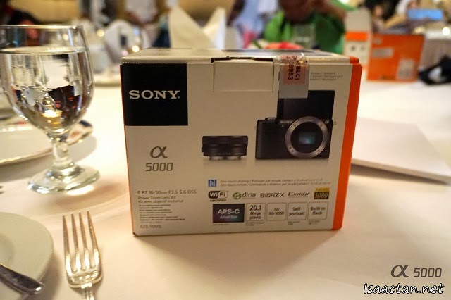 Here's the Sony Alpha 5000 box, having it for tea