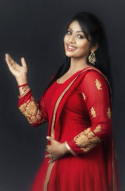 Navya Nair cute images