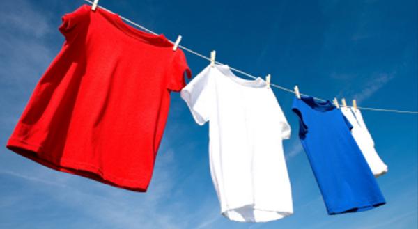 Saat hendak mencuci semua baju kotor Kita akan mendapati beberapa potong baju yang tingkat kotornya sangat tinggi. Terlebih untuk baju anak-anak yang masih gemar bermain dengan banyak hal dan belum merasa takut akan kotor.