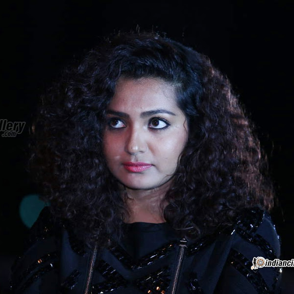 Parvathy Menon latest photos from 63rd Britannia Filmfare Awards South 2016