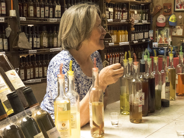 Day trips from Santiago: tasting sweet wines at Viña Almendral in Aconcagua Valley