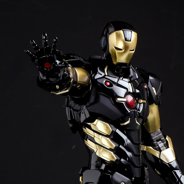 "千值練BLOG中文版: A look at the Dark Iron Man "" Black x Gold!"