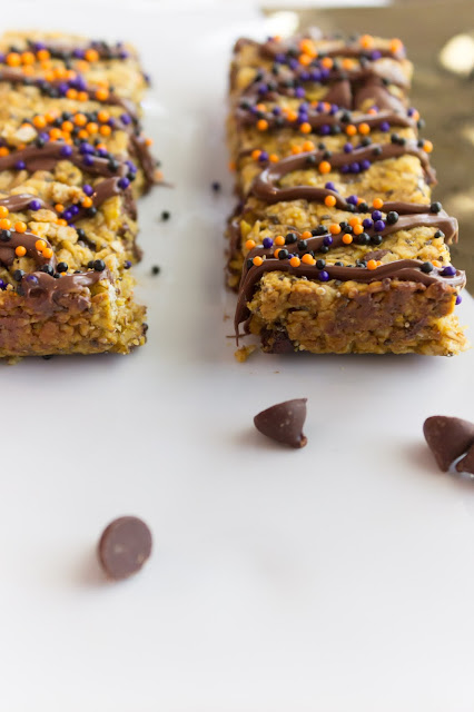 Pumpkin Granola Bars, Breastfeeding Granola Bars, Chewy Granola Bars, Pumpkin Chocolate Snack, Peanut Butter Pumpkin, Fall Snack, Fall dessert, Fall treat, Pumpkin dessert, Fall lunch box ideas