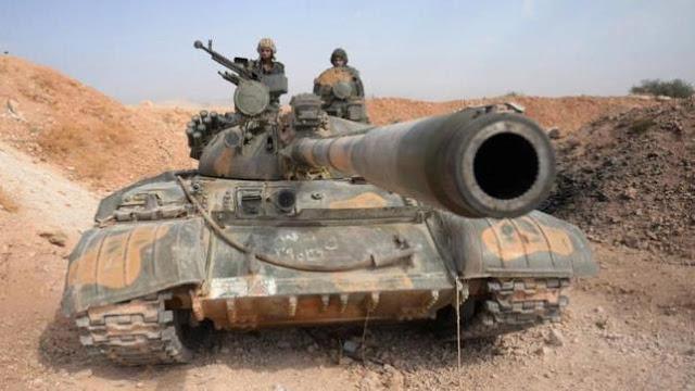 """بالصور: الجيش السوري يعثر على مستودع اسلحة وذخائر لتنظيم """"داعش"""" الارهابي في بادية السويداء"""