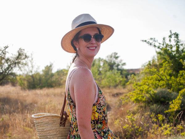 Outfit: floral midi dress and Tevas in the Provence