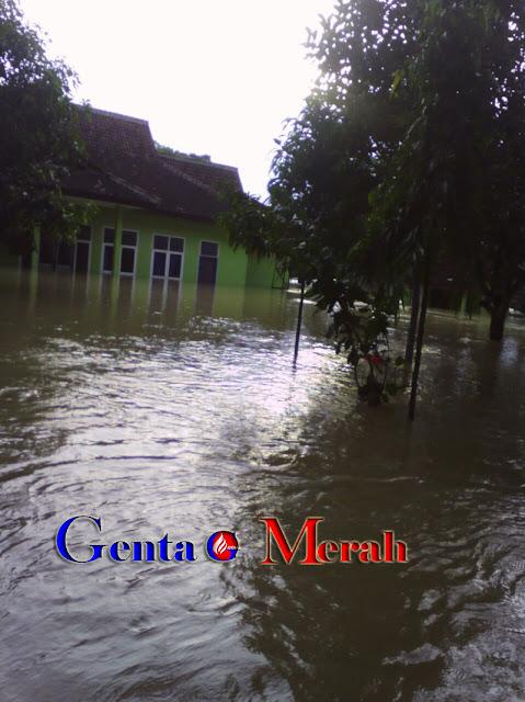 Korban Banjir Bandang di Lamteng Terus Bertambah, Satu Keluarga Meninggal