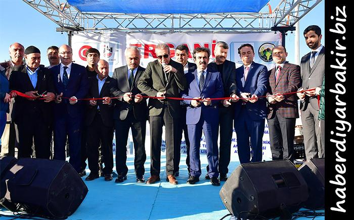 DİYARBAKIR- Diyarbakır'ın Ergani ilçesinde yapımı tamamlanan yatırımlar için toplu açılış töreni düzenlendi.