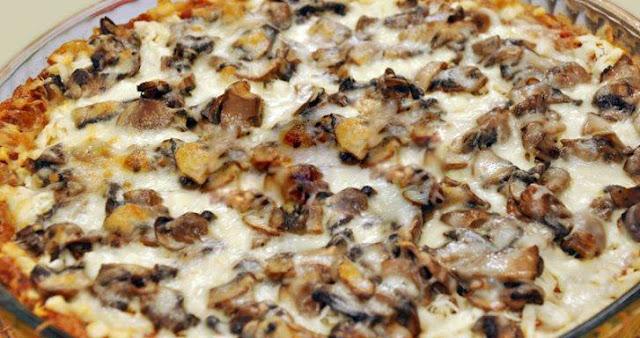 Evde Pizza Yapımı Mantarlı