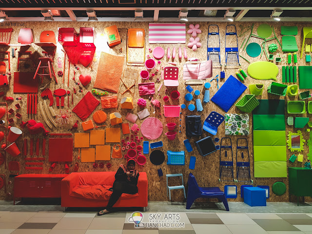 My favourite wall inside MyTOWN Shopping Centre. Very insta-worthy corner =)
