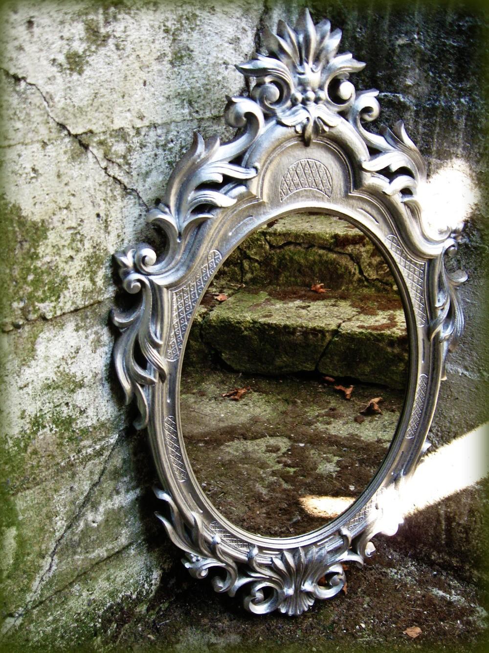 Spray Painting Mirrors 2 My Name Is Rasha إسمي رشا