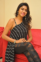 Akshida in Black Tank Top at Kalamandir Foundation 7th anniversary Celebrations ~  Actress Galleries 103.JPG