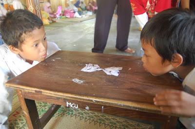 anak bermain tamiya kertas