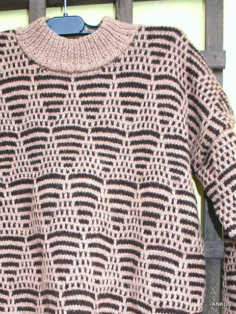 Sweter z przeszłością.