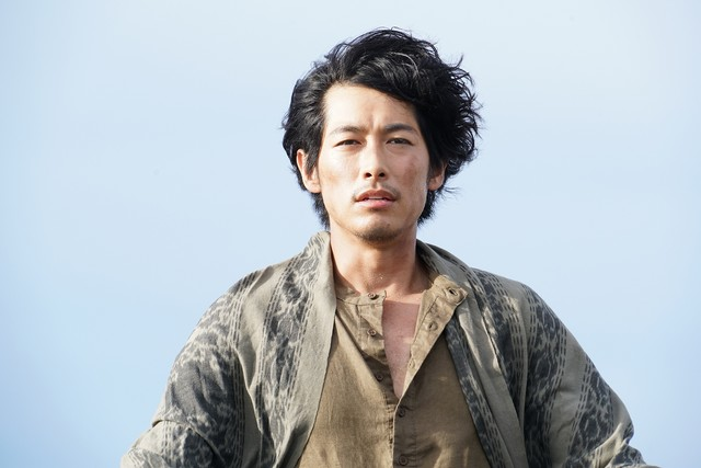 The Man from the Sea - Dean Fujioka texto del alt: