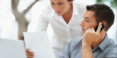 6 Tanda Dia Lebih Mementingkan Pekerjaan Dibanding Anda