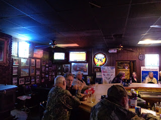 folks at the bar at Cattlemen's in Dodge City