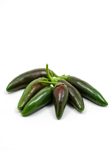 Jalapeno chili beffore cutting
