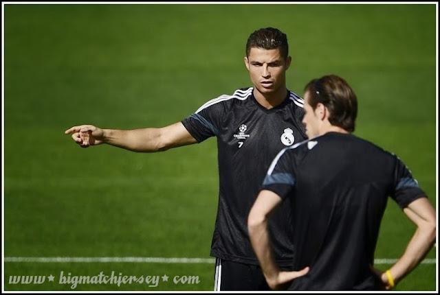 Cristiano Ronaldo & Gareth Bale Real Madrid UCL Training Jersey