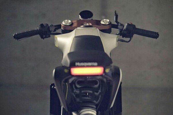 Husqvarna 401 White Arrow Cafe racer 4