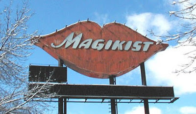 old neon sign in Chicago, Magikist