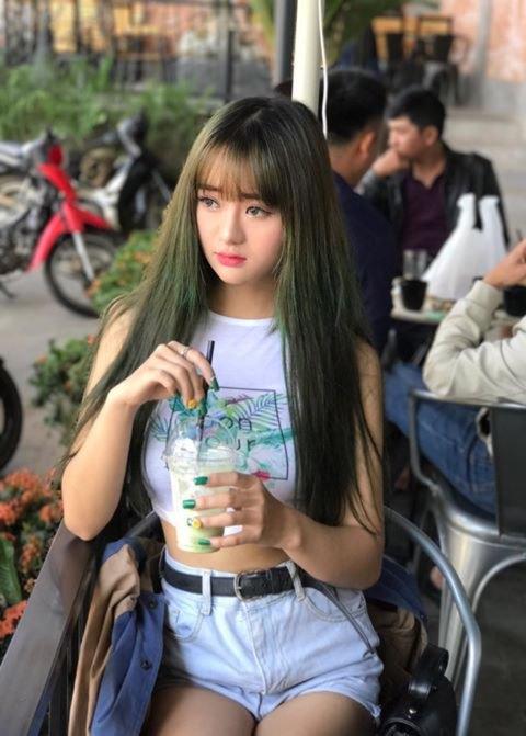 Hot girl Quỳnh Lê Mặt xinh khả ái xinh đẹp 7