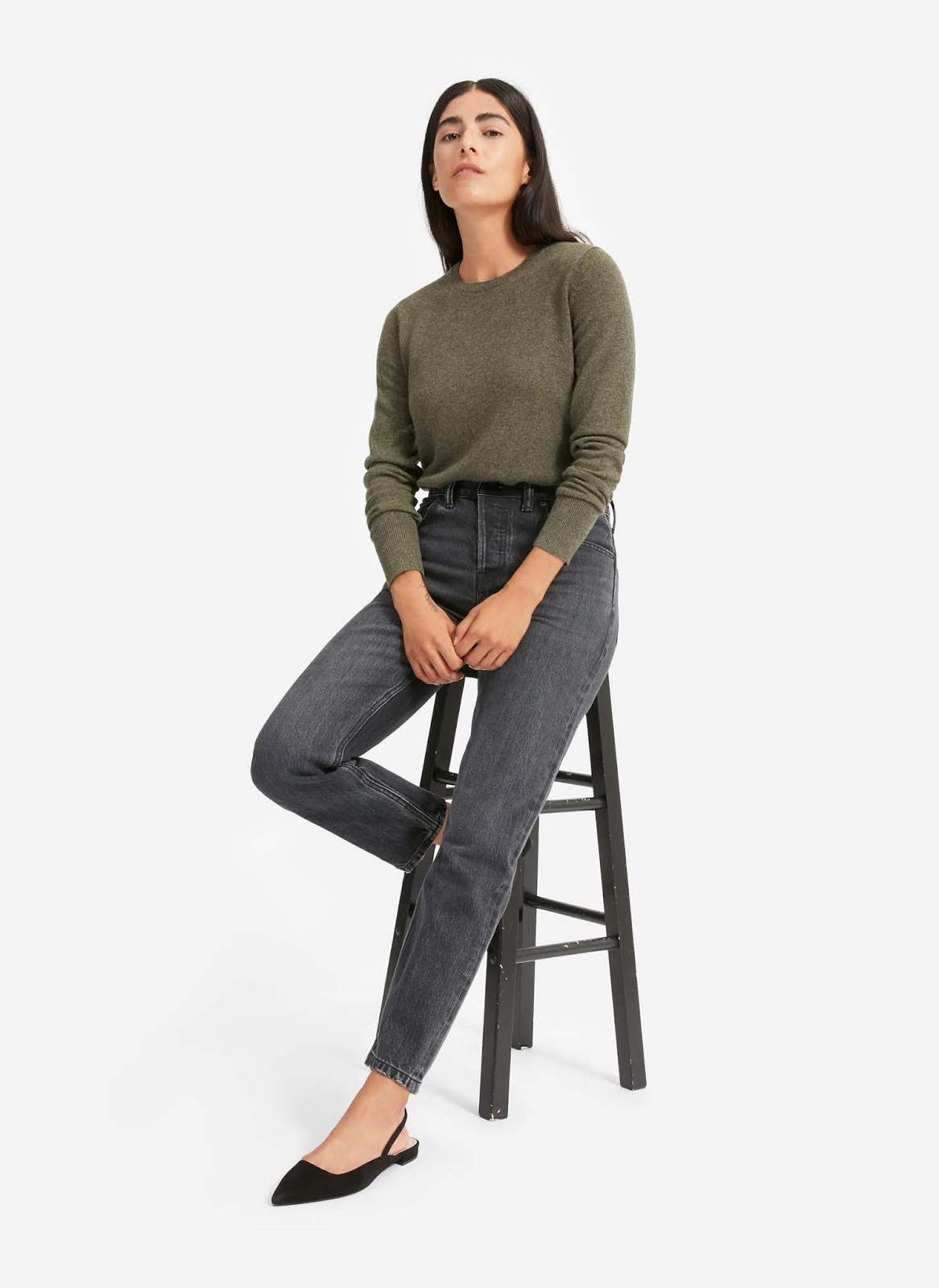 Stylish Fall Outfit Inspiration — Everlane Sweater, Jeans, and Flats