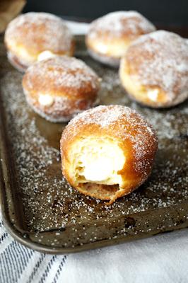 Bomboloni Recipe (Italian Doughnuts)