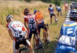 Smiješna fotografija: Odmor  tokom Tour de Francea