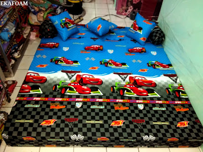 SOFA BED INOAC TERBARU DESEMBER 2015 MOTIF THE CAR POSISI KASUR INOAC