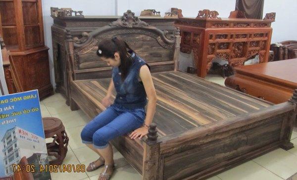 Các mẫu giường ngủ gỗ mun đắt nhất Việt Nam