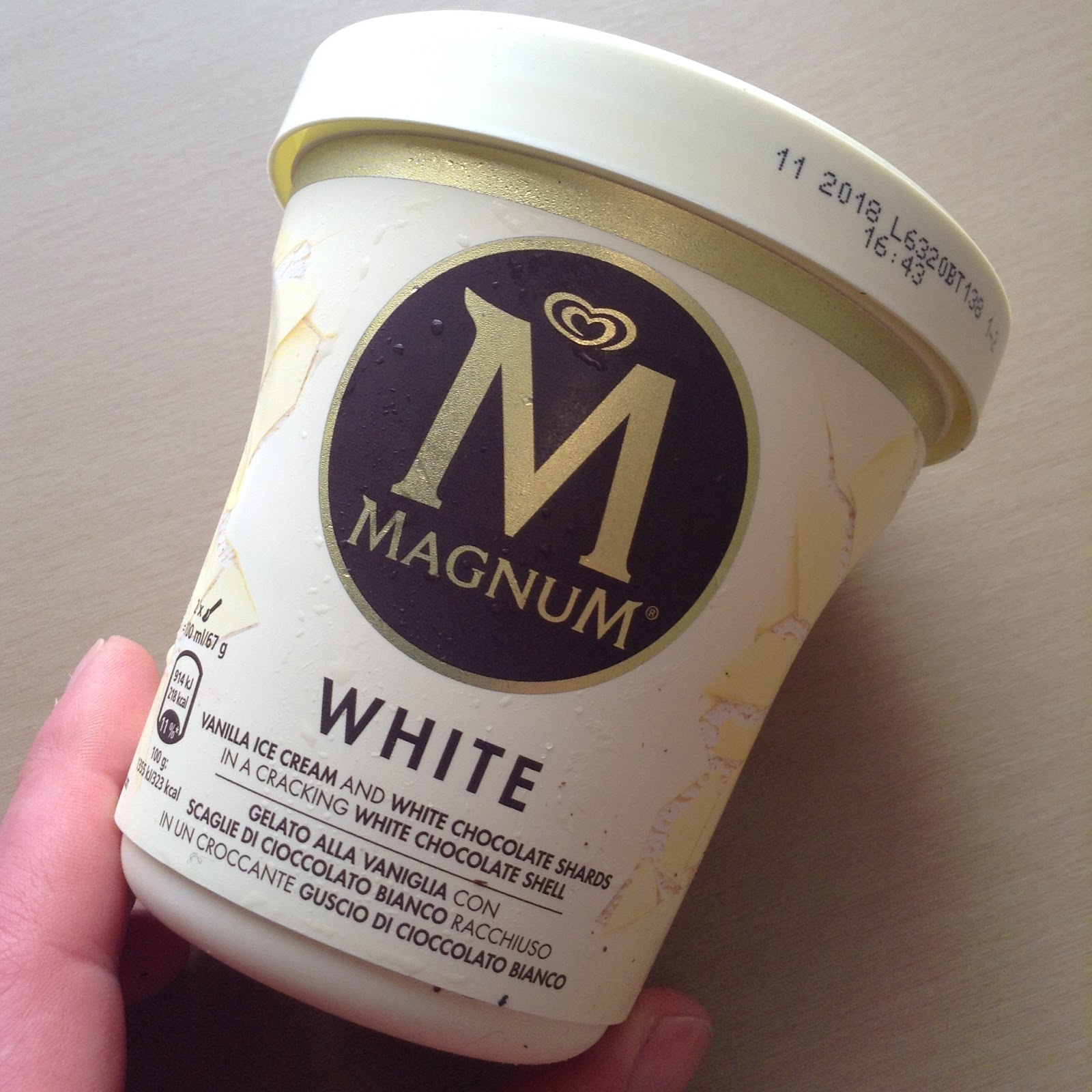 Magnum Tub White Chocolate Ice Cream