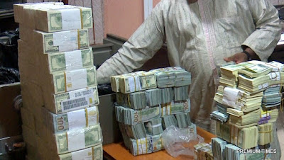 Photos of the $9.7m found in the Kaduna home of former NNPC GMD, Andrew Yakubu by EFCC
