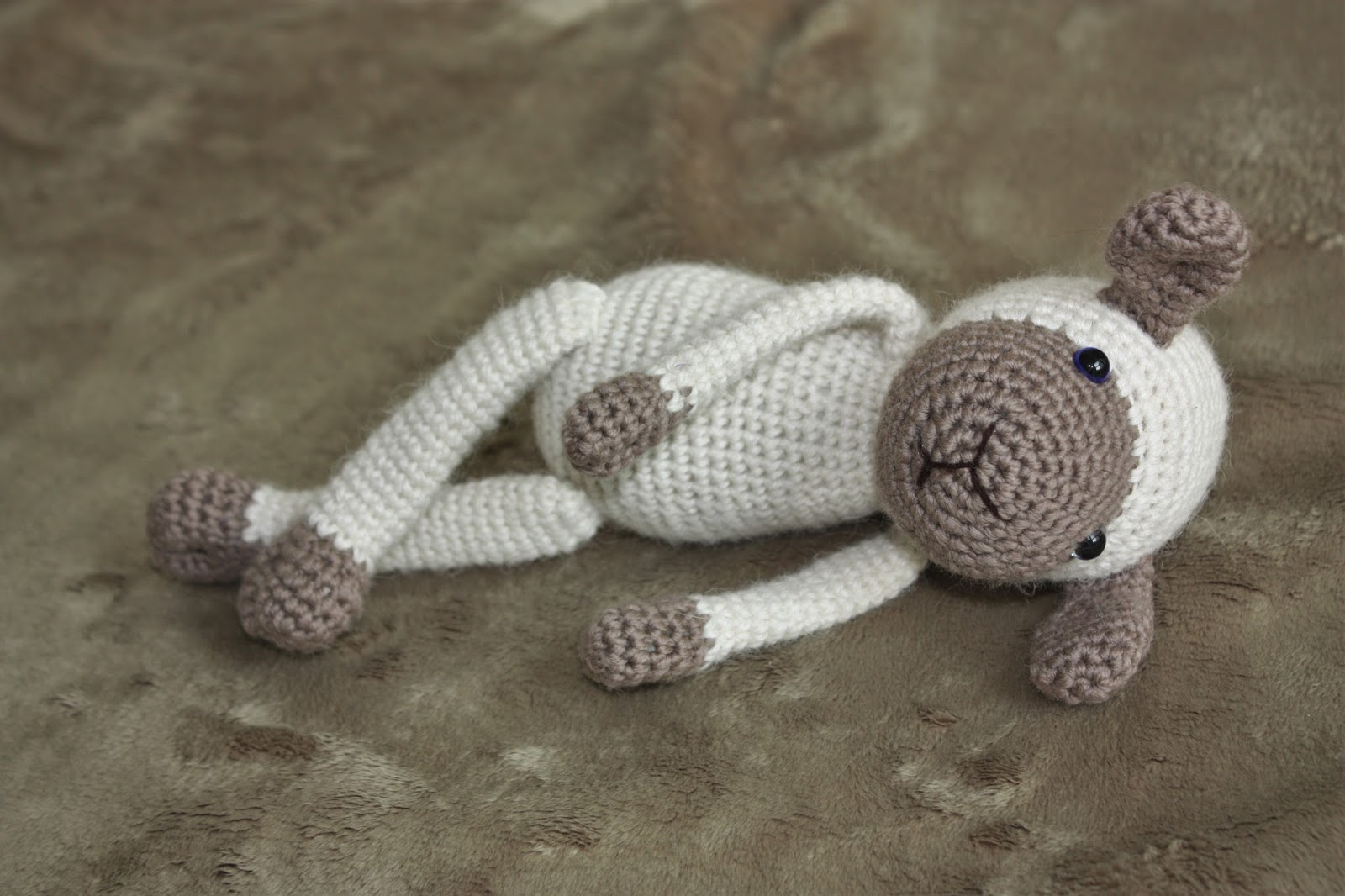 HAPPYAMIGURUMI: New Amigurumi Sheep Pattern