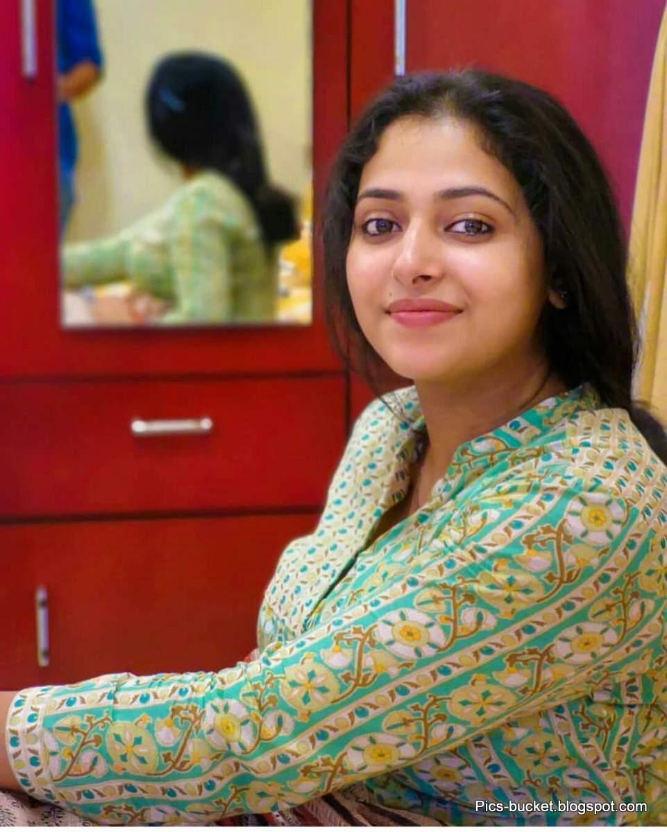 Beautiful Malayalam Actress Hot Photos And Wallpapers-6372