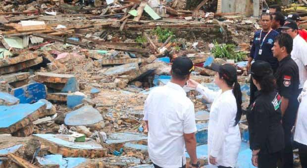 Puan Berikan Bantuan dan Santunan Warga Terdampak Tsunami di Lampung