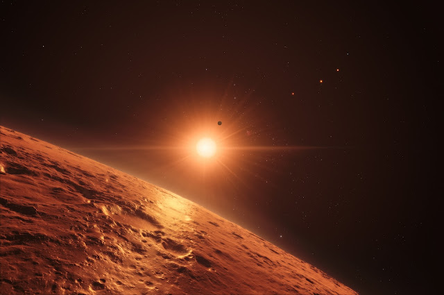 Artist's impression of view from one of the middle planets in the TRAPPIST-1 planetary system