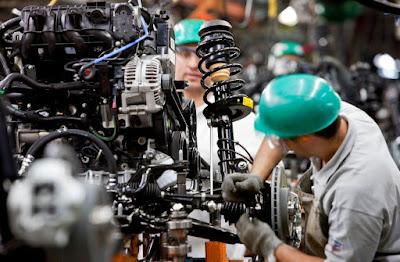 Produção industrial tem o melhor 1º semestre em 4 anos, diz IBGE