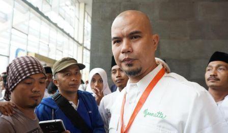 Ahmad Dhani Di Tetapkan Jadi Tersangka Terkait Cuitan Sarkastisnya