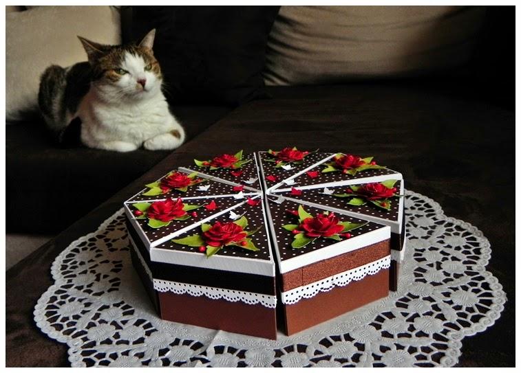 papierowy tort, ciekawy prezent ślubny, na 18ste urodziny, pomysł na prezent,