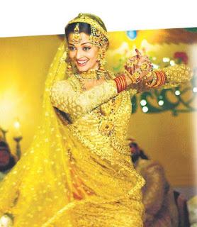 Aishwarya Rai Dancing Pose