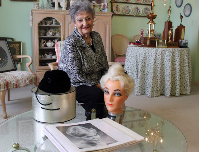 http://chicago.suntimes.com/news/margaret-vinci-heldt-creator-of-lofty-beehive-hairdo-dies-at-98/