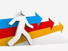 emprendedores exitos con flechas de colores