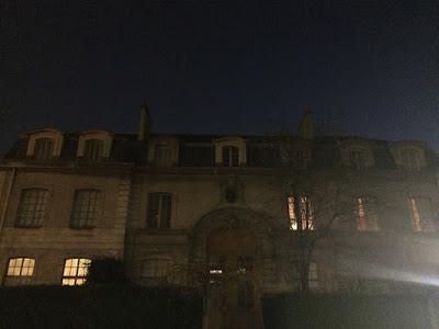 パリ 夜明け