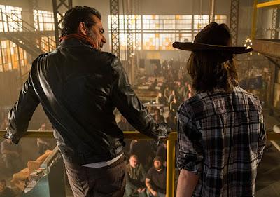 Negan insegna a Carl cosa sia il rispetto dovuto a un leader nel mondo post-outbreak