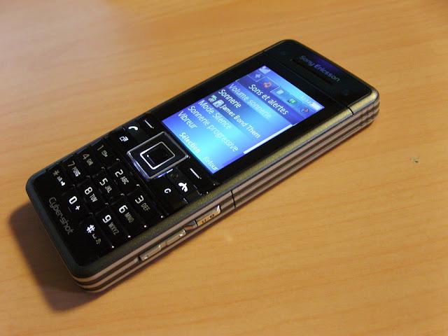 Điện thoại Sony Ericsson C902_3