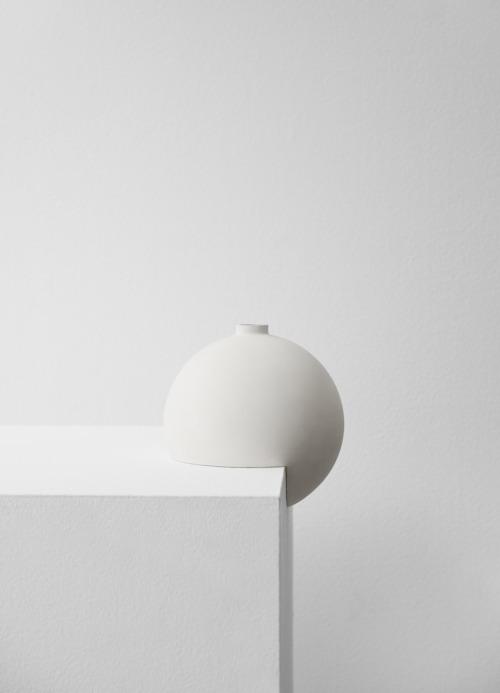 Minimalistische Vasenkollektion von Designer Falke Svatun