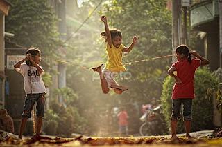 Permainan Masa Kecil Lompat Tali